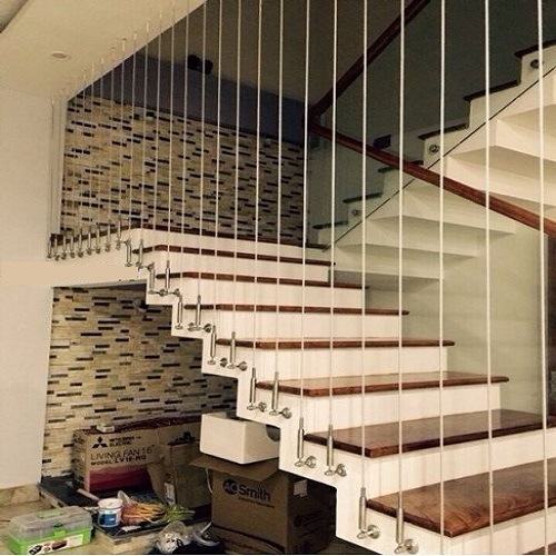 Căng cáp cầu thang