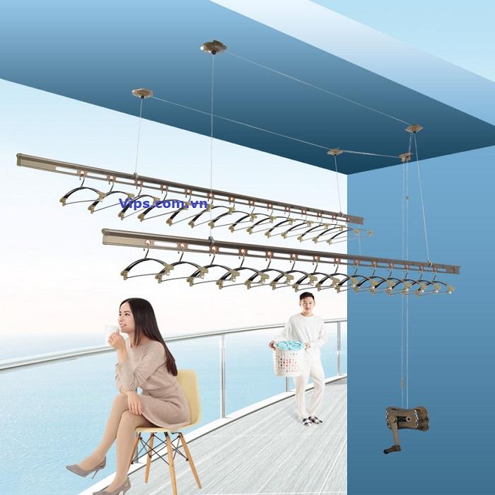 Khoan lắp giàn phơi thông minh nhập khẩu tại sân phơi mái tôn nhà anh Lượng ngõ 102 Thái Hà