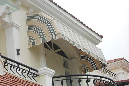 Mái vòm tôn thêm vẻ đẹp cho cửa số