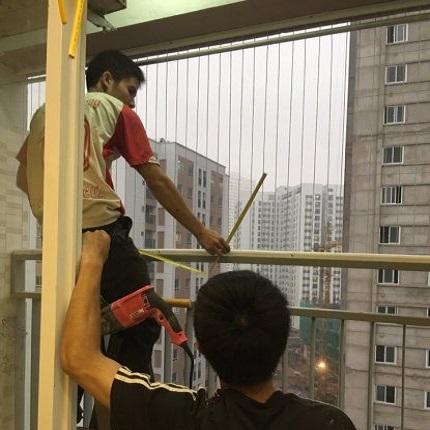 Hướng dẫn lắp đặt lưới an toàn cho ban công, cửa sổ